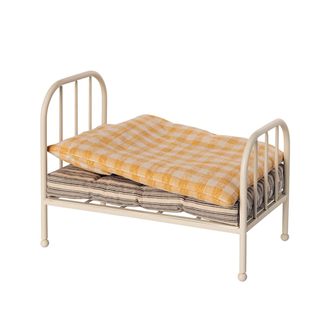 Vintage bed. teddy junior Maileg
